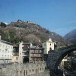 中世の町並みがほぼ忠実に残っているというAOSTA。ここでバスを乗り換えて、さらにミラノまで。