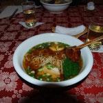 「Ken-chan」でラーメンを食べます。のりのりは珍しくしょうゆ味&餃子。