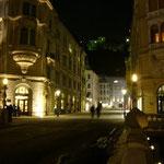 夜の旧市街をお散歩しながら帰ります。
