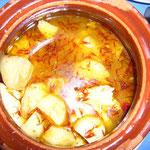 これはパルミラ料理。チキンと野菜を煮込んだシチューのような感じ。
