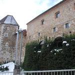お城の城壁。