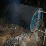 マサイのジョンが薪で沸かしてくれたシャワーは、とても身体が温まります。