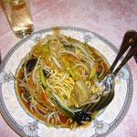 のりのりが大好きなかた焼きそばも麺が揚げたて!