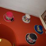 壁に飾ってあった帽子。インディヘナはとてもおしゃれです。