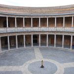 円形に建てられた住居。
