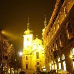 夜のプラハも素敵です。冬に来てよかったなあ。。。