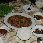 今日は韓国料理。野菜とご飯をたっぷり。お肉を少し。見た目よりもお腹に優しいです。