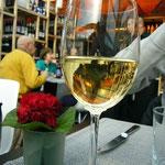 昼間から白ワイン(汗)