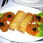 春巻き風なナニカと2種類の違った味のラタトゥユ。