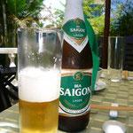 世界のビール・リレーもひそかに継続中。。。これはサイゴン・ビール。