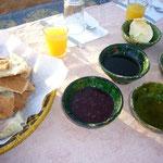 砂漠の真ん中でちゃんとした朝ごはんが食べられるシヤワセ。。