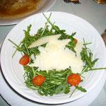 ルッコラとパルメジャーののサラダ。