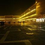 夜のサン・マルコ広場もイイ感じです。