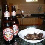 「HANSA」という地ビールとビーフ・ジャーキー。アジアでは我慢することが多かったけど、やっぱりビーフはいいね。