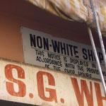 白人お断りの店。