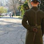 ドルマバフチェ宮殿の衛兵はピクリとも動きません。何を見ているんでしょう。。。