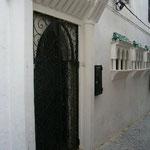 ここも勝手にガイドさんに教わったウィリアム・バロウズが住んでいた家。映画「シェルタリング・スカイ」の原作者です。