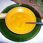 スープは塩味が少しだけ。あとはほとんど自然の味がします。とても美味しいです。