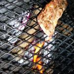 2品目はのりのり作、豚バラと牛肉の網焼き(焼いただけ)。