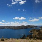 チチカカ湖が見えてきました!