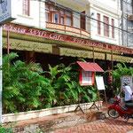 ラオス最終日もうちのカフェで朝ごはん。