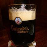 またまた黒ビールを飲みます。