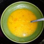 今夜もスープからスタート。毎日少しずつ味が違います。
