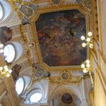 エントランスの天井。。。きれい~。後は撮影禁止でした。