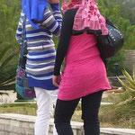 エジプト・ギャル・イン・カイロ。国や宗教は違っても、女の子はみんなピンクが好き。
