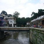 パシュパトナート。ガンジスの支流、聖なる川といわれるパグマティ川のほとりにあります。