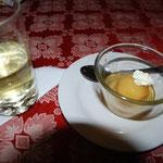 お茶とデザートが付いてくるのが日本っぽくてGood!マテ茶は高山病にもいいそうですよ。