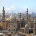 モスクの下にまたモスク。さすがイスラーム地区。