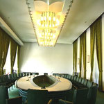 内閣会議室。
