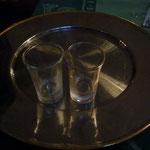お会計と一緒に食後酒のサービスがありました。サービスだからといって手抜きはなし。よく冷えたグラスに入っていて美味しかったのです。