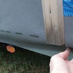 Einen Abschluss finden für die überhängende Fassadenbahn