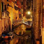 Foto des Monats März 2019 - Venedig bei Nacht, Olympus E-M1, Brennweite 40,0 mm, Belichtungszeit 50 sek., ISO 100, Blende 5,6, Foto: Vera Ruth Pasker