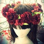 赤ダリア花冠 和風
