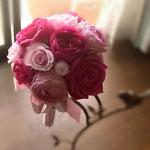 イブピアッチェ ピンク濃淡ローズ 小さめラウンドブーケ 安城市