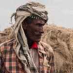 Portrait d'un homme Afar dans son village avant de grimper pour aller voir le volcan Erta Alé en activité