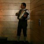 Helmut Schachner mit seiner steirischen Harmonika