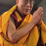 LE DALAI-LAMA (GUIDE SPIRITUEL DU BOUDDHISME TIBETAIN)...