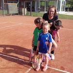 Tennismädels mit Trainerin Klaudia