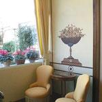 Decorazione neolassica; Ostia, 2004