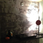 Berlino, Gleimstrasse 52 - Interno52: angolo cucina, parete decorata