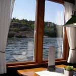 Auch drinnen im Schiff gibt es ein gemütliches Restaurant und auch sehr feines Essen.