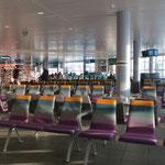 Nur wenig Passagiere hat es hier im Flughafen Bodo