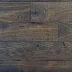 Wirtshausboden Albi, naturgetrocknet (Astlöcher nicht gekittet)