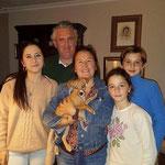 GUILLE, el pequeñín que a partir de ahora se llamará Curro, han encontrado la mejor de las familia.