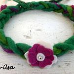 gefilztes Haarband mit Blumen