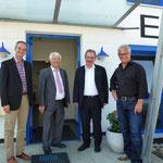 (von rechts nach links) Bernhard Mack, Bürgermeister Wolfgang Mangold, Karl Traub, Christoph Schreijäg